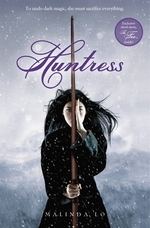 Book cover of HUNTRESS