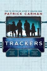Book cover of TRACKERS 01