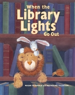 Book cover of WHEN THE LIBRARY LIGHTS GO OUT