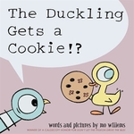 Book cover of DUCKLING GETS A COOKIE
